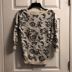 Beautiful LOFT 3/4 sleeve sweater